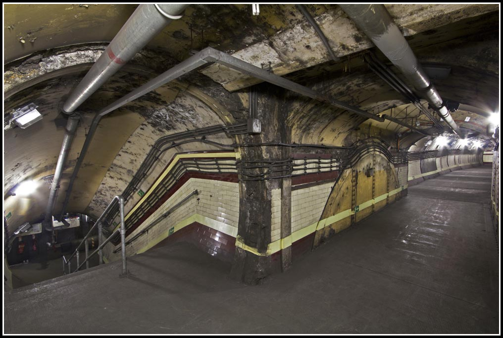 Down-Street-Abandoned-Tube-Station-4